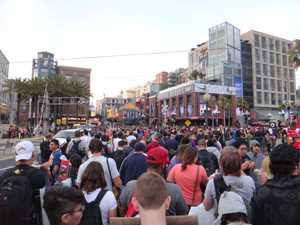 Street crowd SDCC